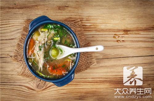 海参鱿鱼汤配什么食材更鲜?