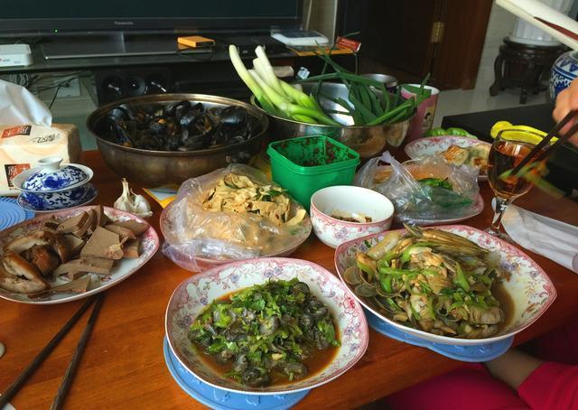 海参的这个做法实在太好吃了,家里人都爱吃,一大盘很快就吃完